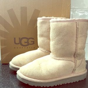 UGG Toddlers Pink size 12 Classic Boot
